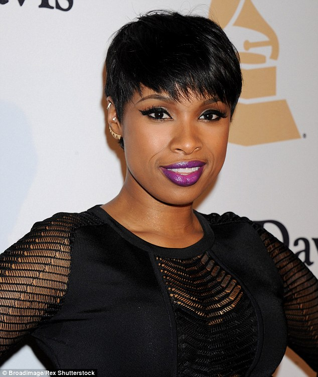 Jennifer Hudson debuts new buzz cut hairstyle